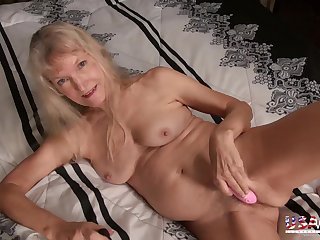Eight fleetingly of awesome mature coupled with milf photos in crazy slideshow video