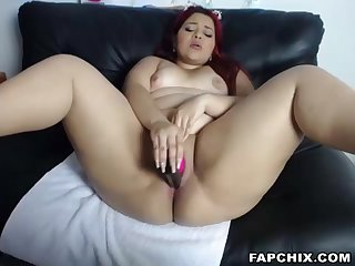 Yummy Curvy Co-Ed Plays With Myself